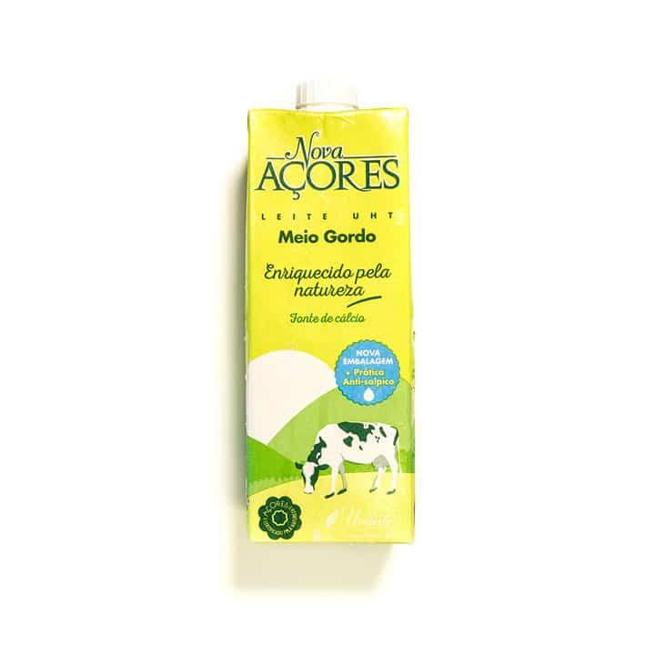 Nova Açores Meio Gordo Milk